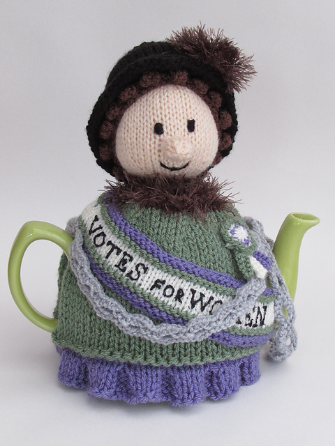 suffragette-tea-cosy-knitting-pattern_medium2